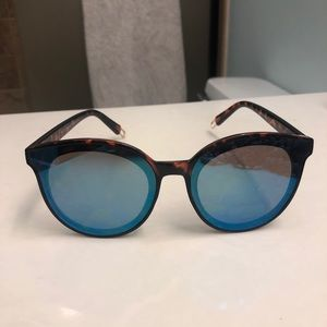 Trendy Round Blue Tint Sunglasses